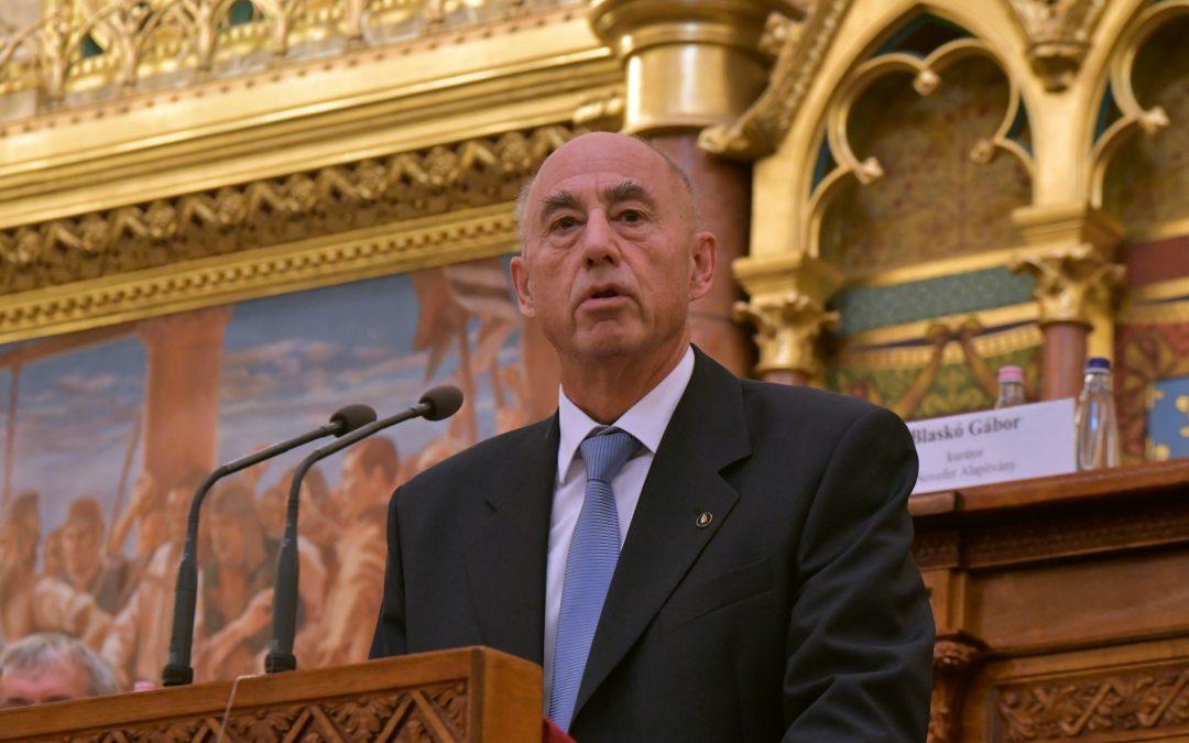 Rádióinterjú Jamrik Péterrel, a Novofer Zrt. elnökével